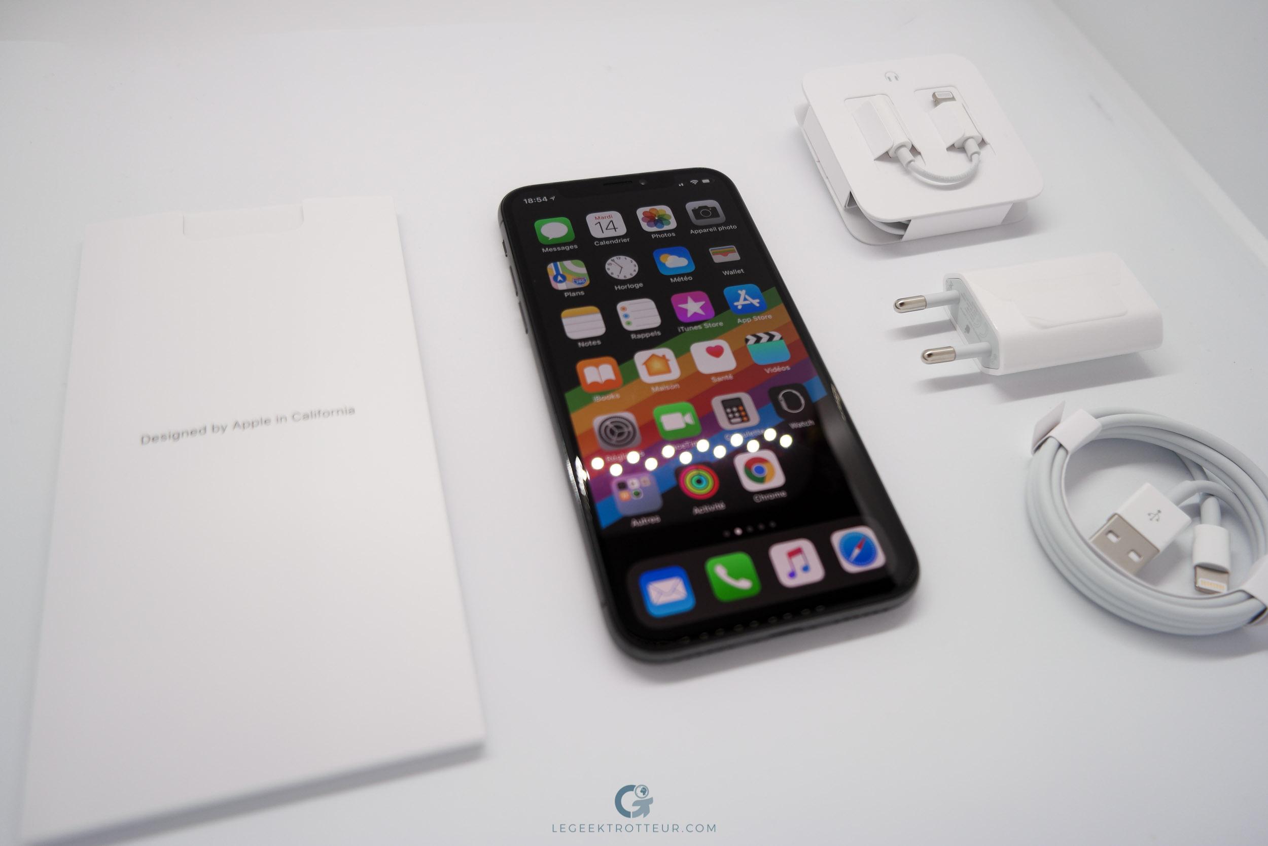l'iPhone X avec tous ses accessoires