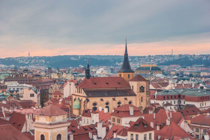 Vue sur Prague depuis la tour de l'hôtel de la Vieille Ville