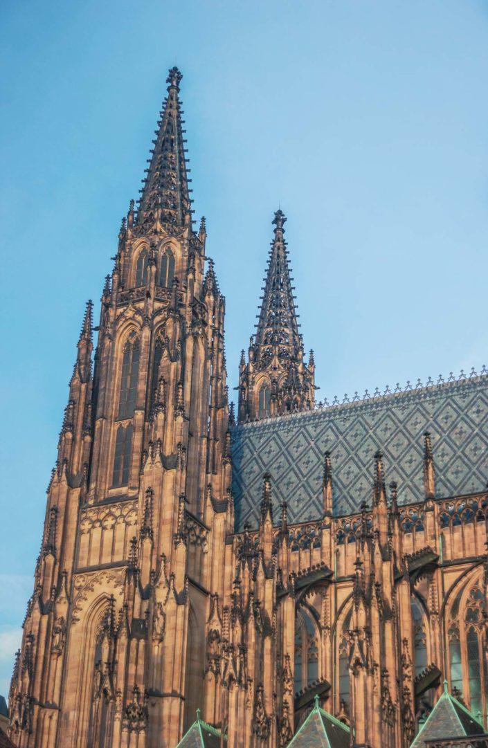 Les tours de la cathédrale Saint-Guy de Prague