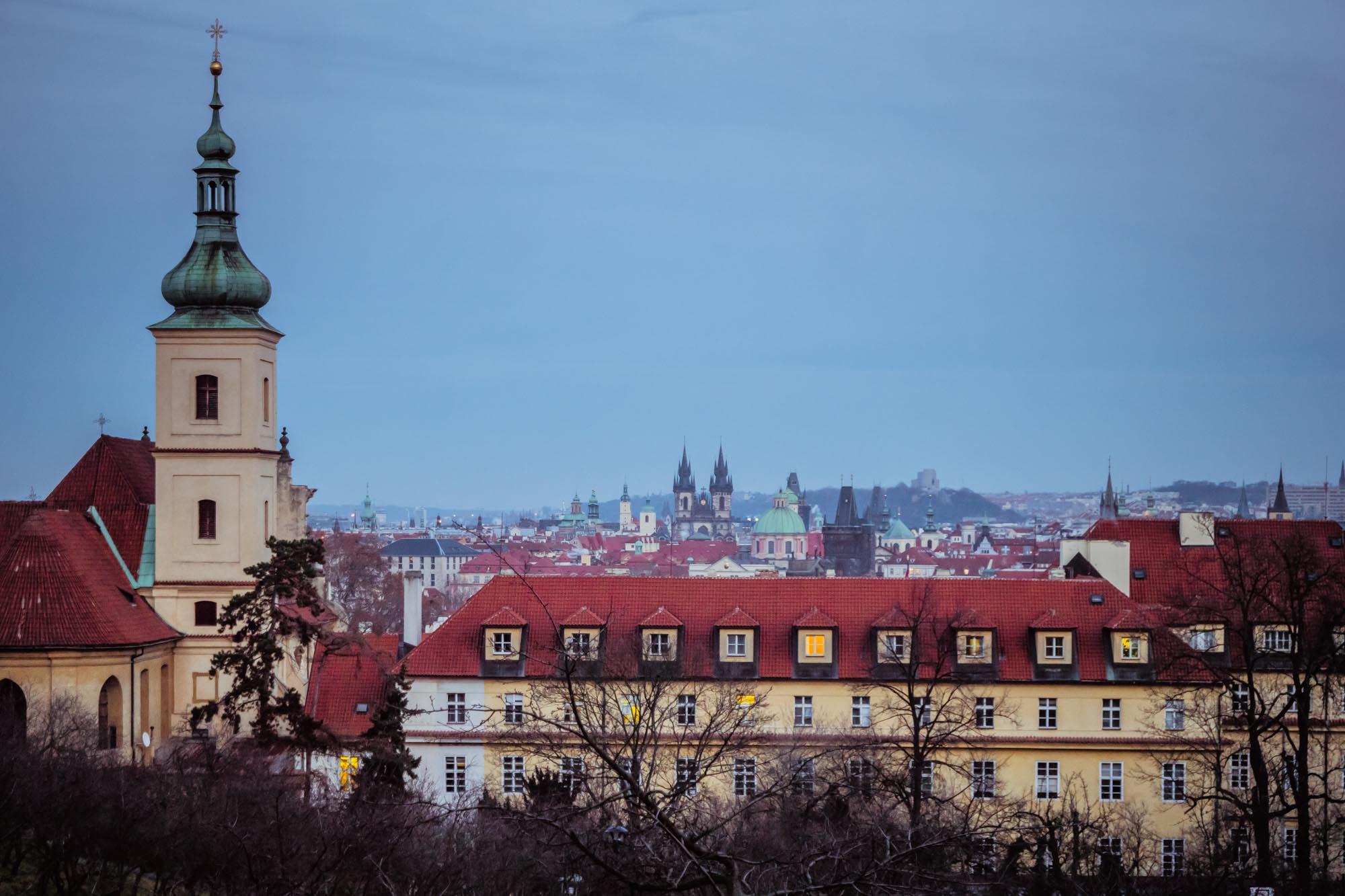 Les hauteurs de Prague depuis le parc de Petřín